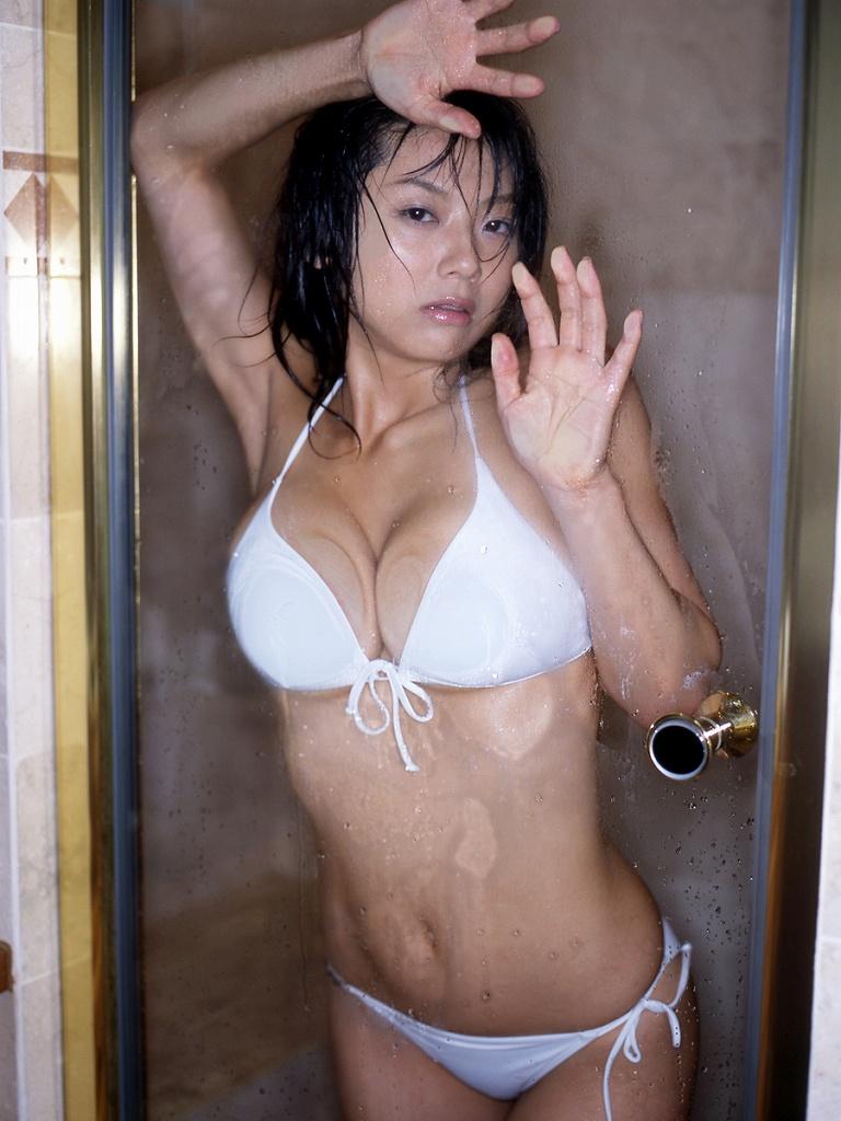 【グラビアエロ画像】相澤仁美のセクシーボディ!おっぱい番長の魅力満載!(55枚) 13