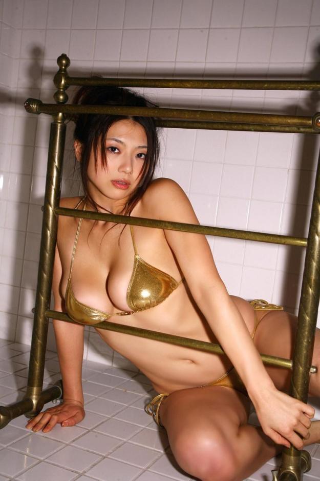 【グラビアエロ画像】相澤仁美のセクシーボディ!おっぱい番長の魅力満載!(55枚) 21
