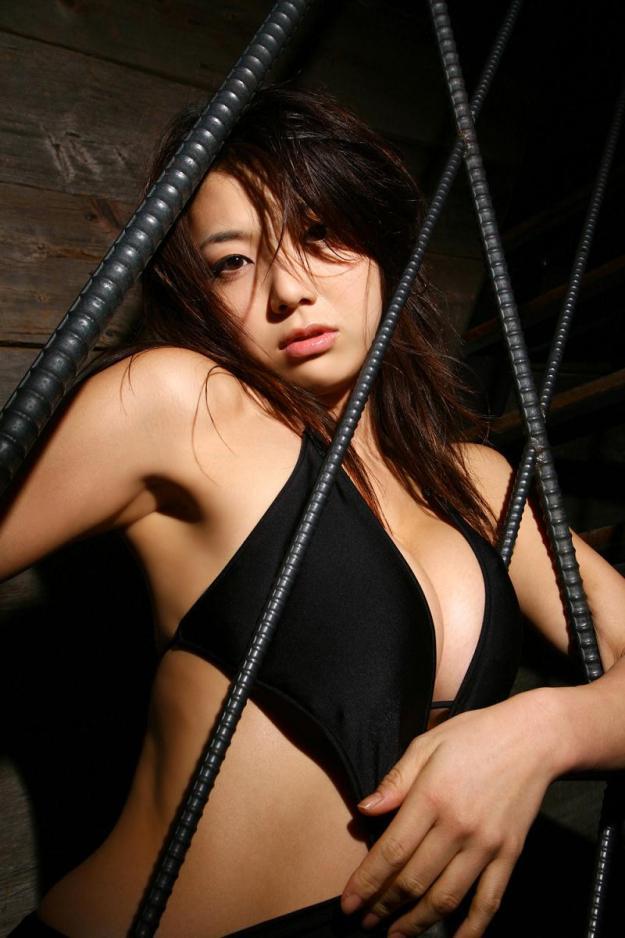 【グラビアエロ画像】相澤仁美のセクシーボディ!おっぱい番長の魅力満載!(55枚) 34