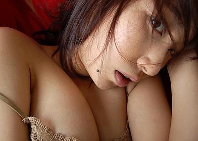 【ほくろエロ画像】美女のほくろに妙なエロスを感じる画像wwww(50枚)