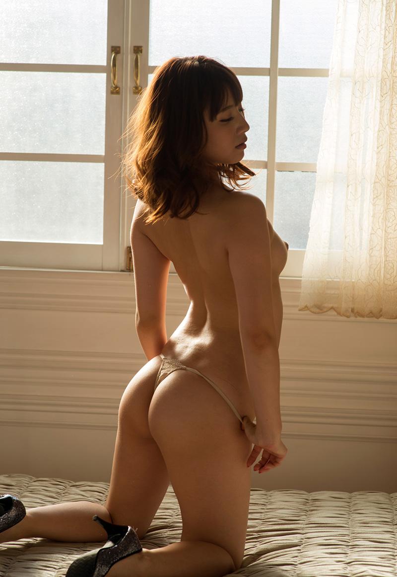 【ヌードエロ画像】初川みなみのエロ画像!清楚美少女が大胆に素肌をさらしますw(51枚) 23