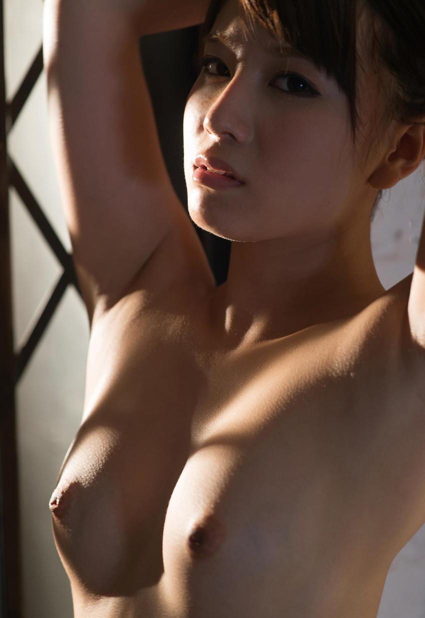 【ヌードエロ画像】初川みなみのエロ画像!清楚美少女が大胆に素肌をさらしますw(51枚) 33
