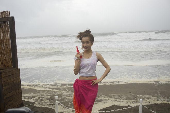 【グラビアエロ画像】AKB卒業生、ともちんこと板野友美の水着姿が可愛いw(50枚) 09