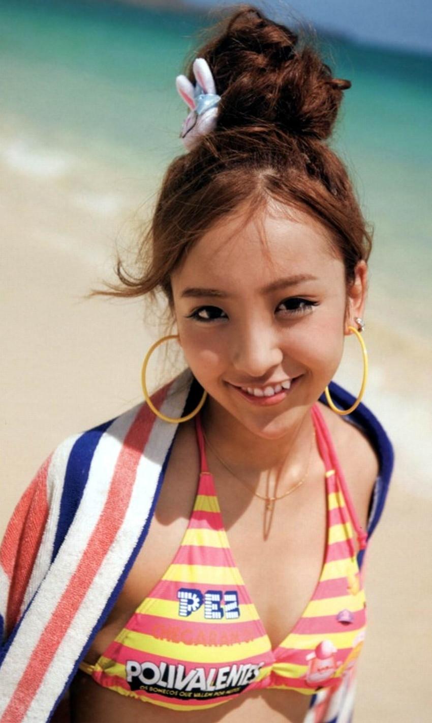 【グラビアエロ画像】AKB卒業生、ともちんこと板野友美の水着姿が可愛いw(50枚) 16