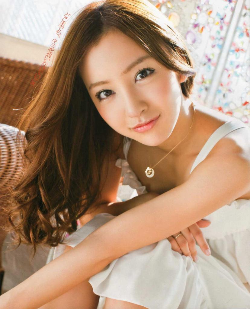 【グラビアエロ画像】AKB卒業生、ともちんこと板野友美の水着姿が可愛いw(50枚) 23