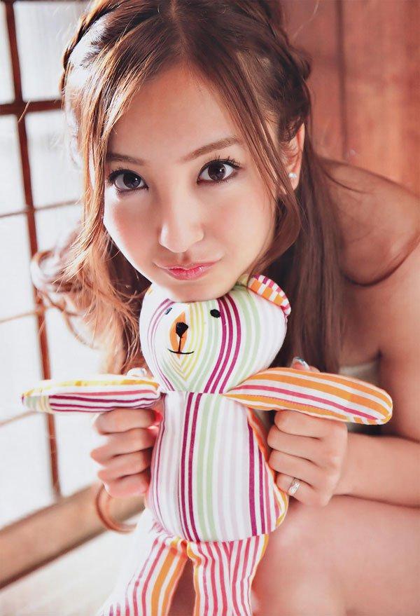 【グラビアエロ画像】AKB卒業生、ともちんこと板野友美の水着姿が可愛いw(50枚) 36