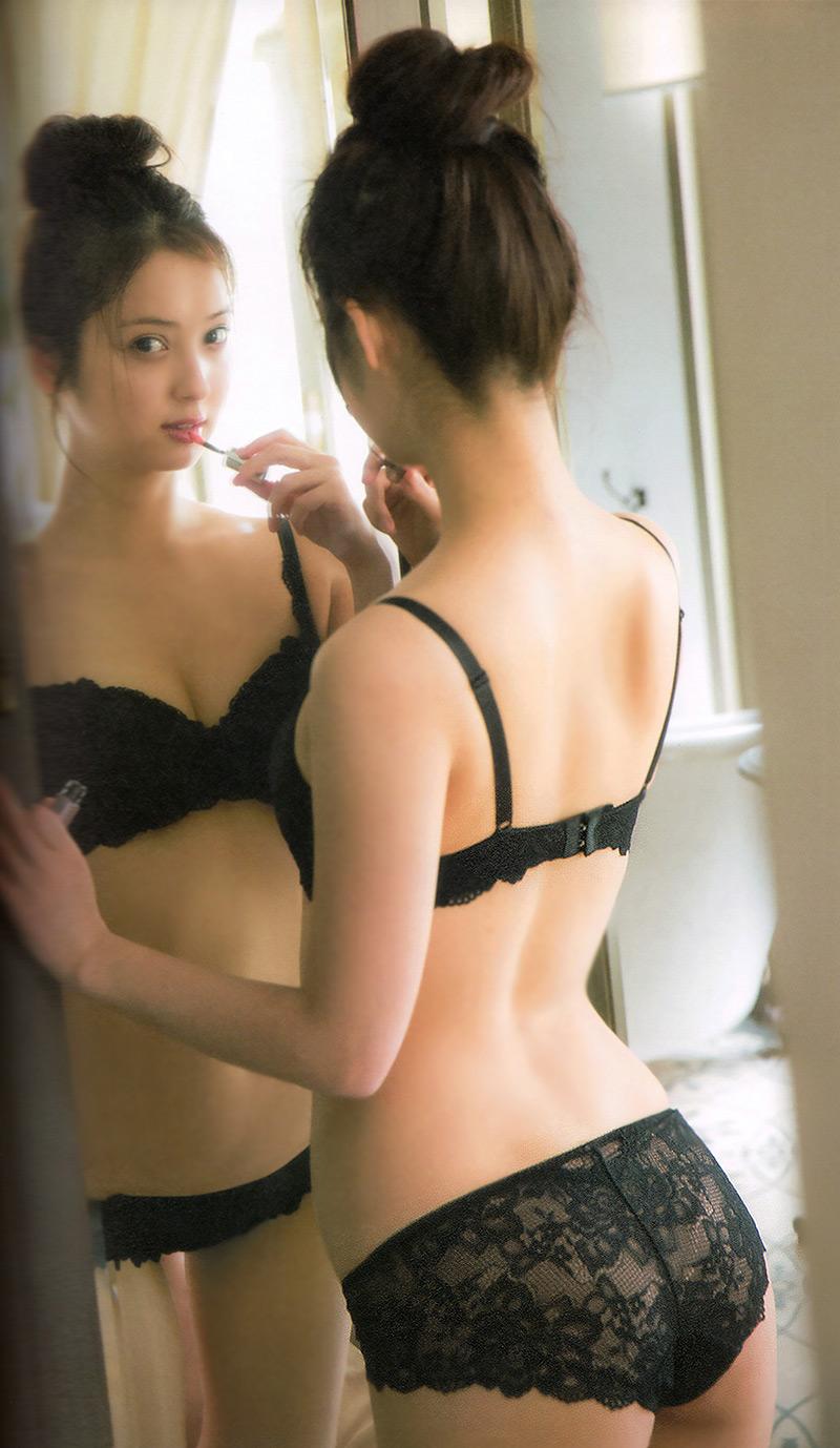 【黒下着エロ画像】美女の黒い下着姿のエロさは神wwwwww(50枚) 16