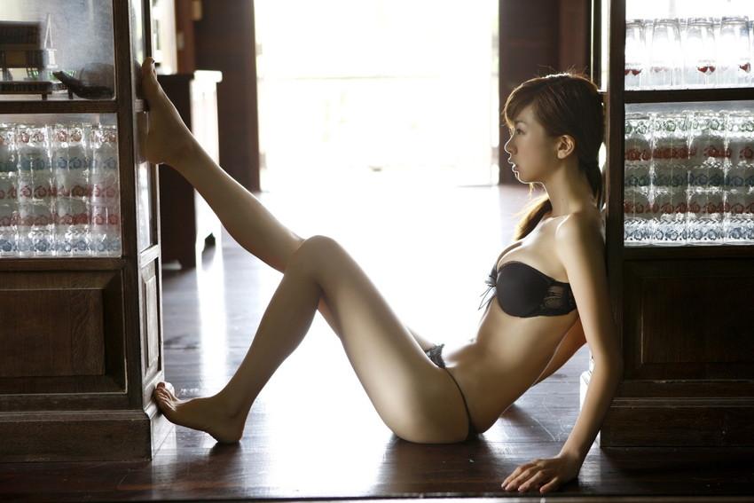 【黒下着エロ画像】美女の黒い下着姿のエロさは神wwwwww(50枚) 23