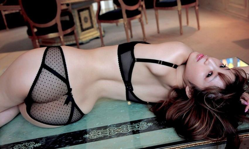 【黒下着エロ画像】美女の黒い下着姿のエロさは神wwwwww(50枚) 38
