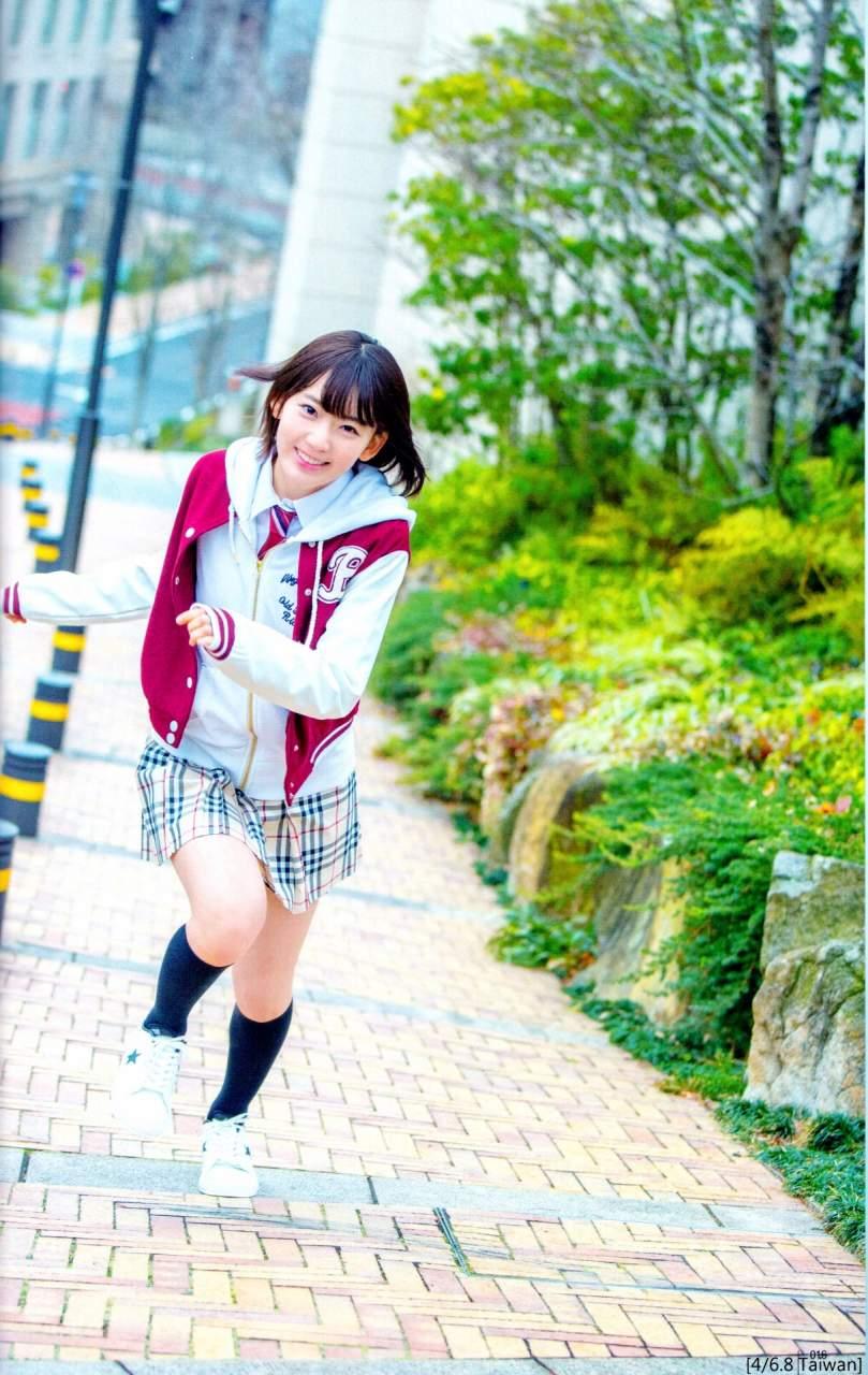 【グラビアエロ画像】HKT宮脇咲良のセクシー水着姿がエロ可愛いwwww(54枚) 28