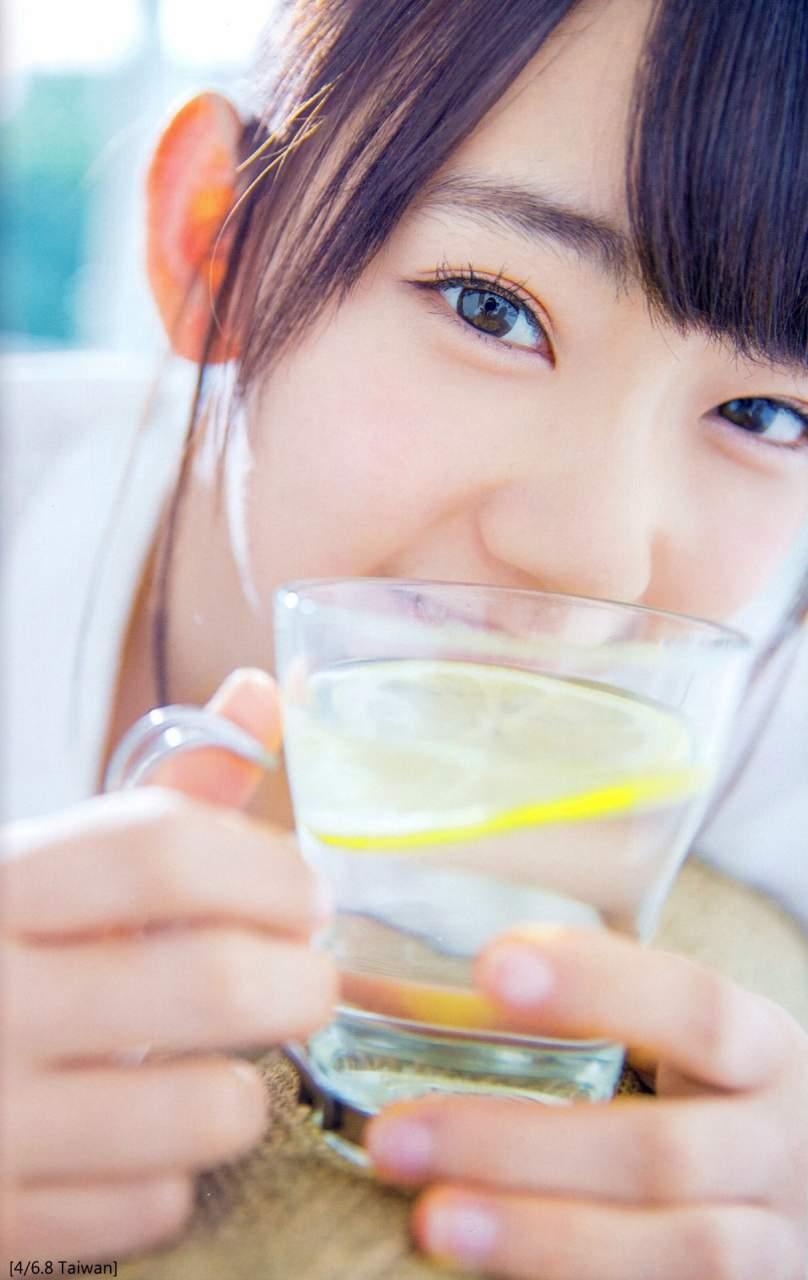 【グラビアエロ画像】HKT宮脇咲良のセクシー水着姿がエロ可愛いwwww(54枚) 51