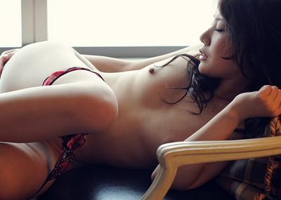 エ●チな仕草やポーズで誘惑するお姉さんのヌード画像100枚