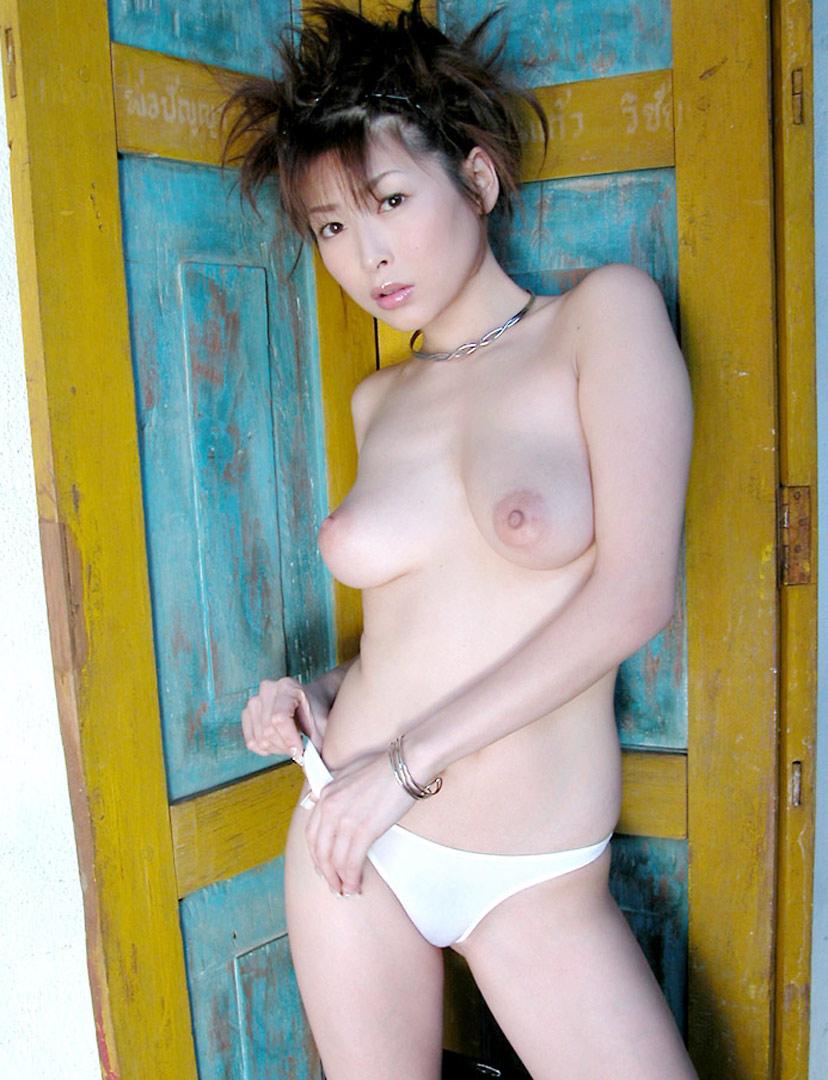 【ヌードエロ画像】大ブレイクした元AV女優、夏目ナナのエロ画像!(52枚) 40