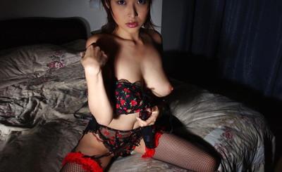 【ヌードエロ画像】大ブレイクした元AV女優、夏目ナナのエロ画像!(52枚) 14