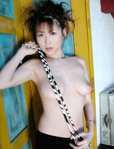 【ヌードエロ画像】大ブレイクした元AV女優、夏目ナナのエロ画像!(52枚) 29