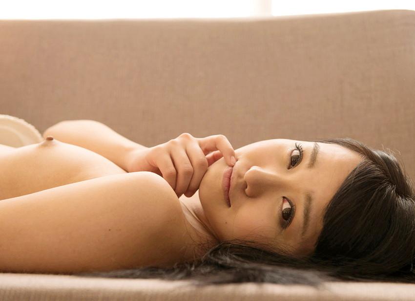 【ヌードエロ画像】変態紳士必見!愛内希の小柄で童顔可愛い系エロ画像!(50枚) 35