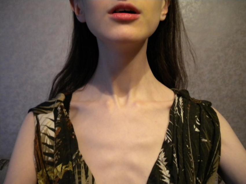 【鎖骨エロ画像】美女のエロい鎖骨が骨フェチでなくても抜けるwwwww(52枚) 12