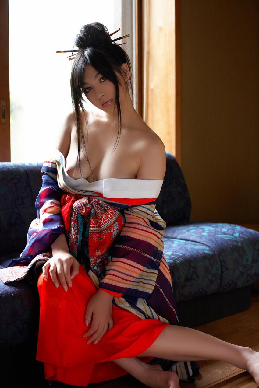 【鎖骨エロ画像】美女のエロい鎖骨が骨フェチでなくても抜けるwwwww(52枚) 44
