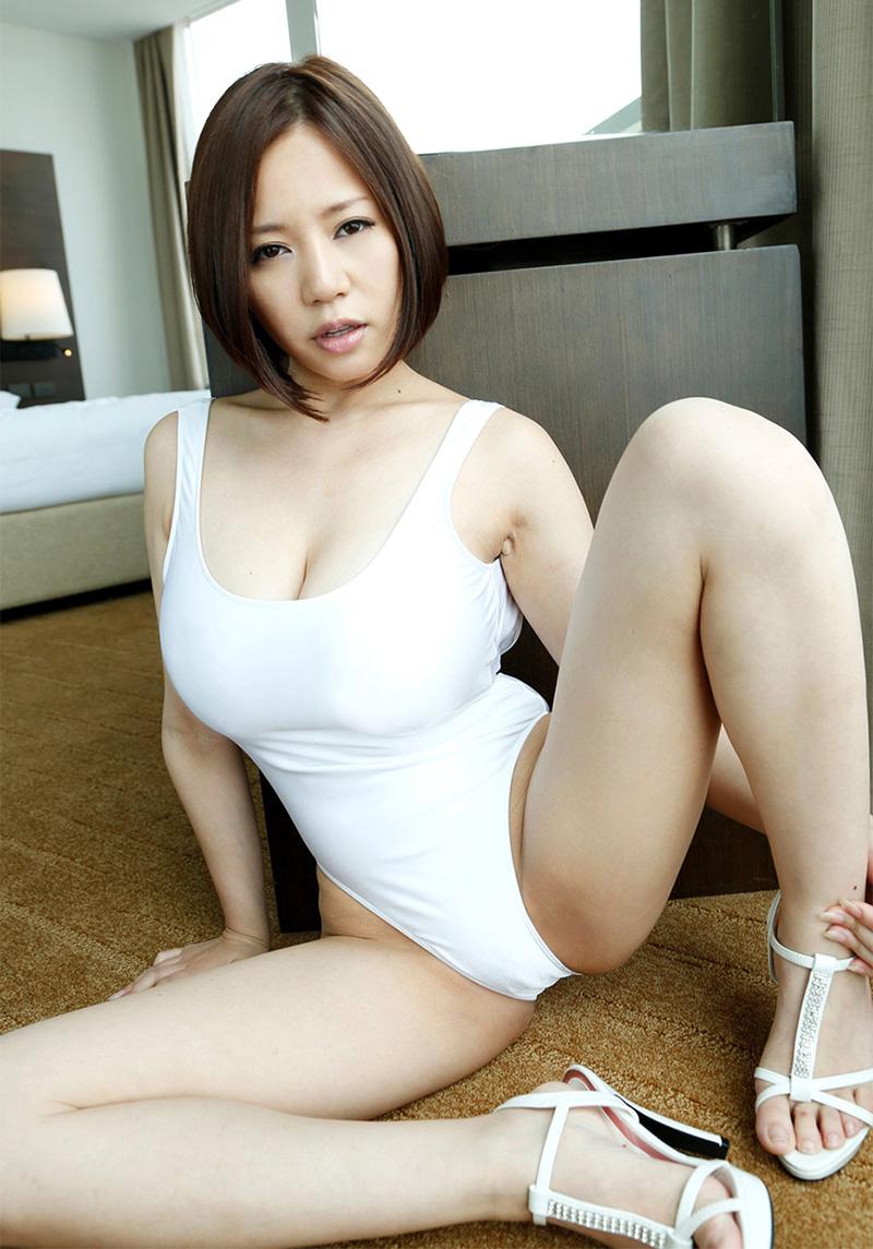 【爆乳エロ画像】西條るりが魅せる衝撃のMカップ生おっぱい!(50枚) 21