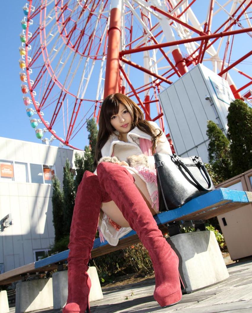 【ブーツエロ画像】美女のブーツ履き姿エロ杉抜いたwwwwww(50枚) 09
