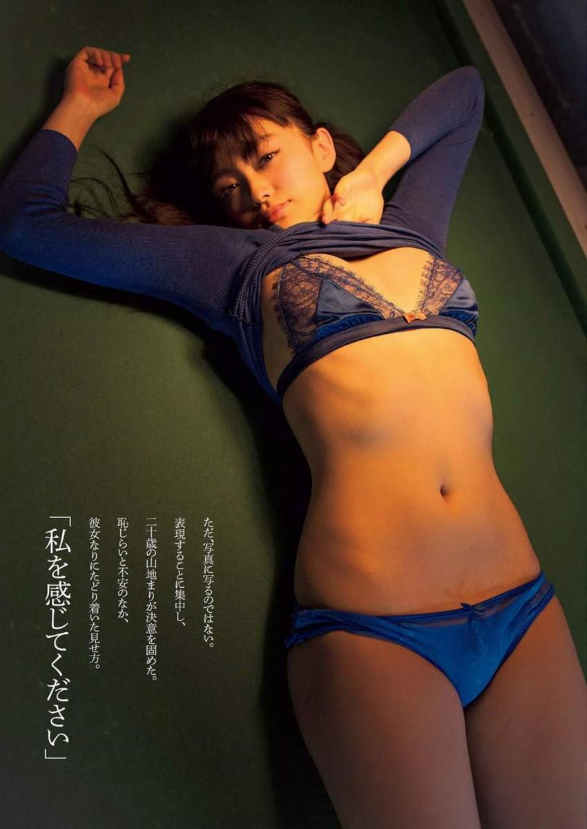 【グラビアエロ画像】人気沸騰中のグラ女優!山地まりのFカップ水着姿がエロいw(52枚) 11