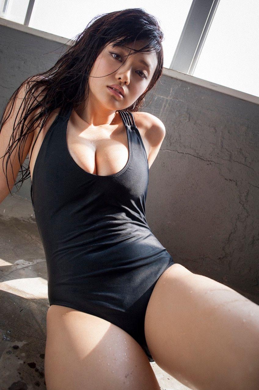 【グラビアエロ画像】人気沸騰中のグラ女優!山地まりのFカップ水着姿がエロいw(52枚) 36