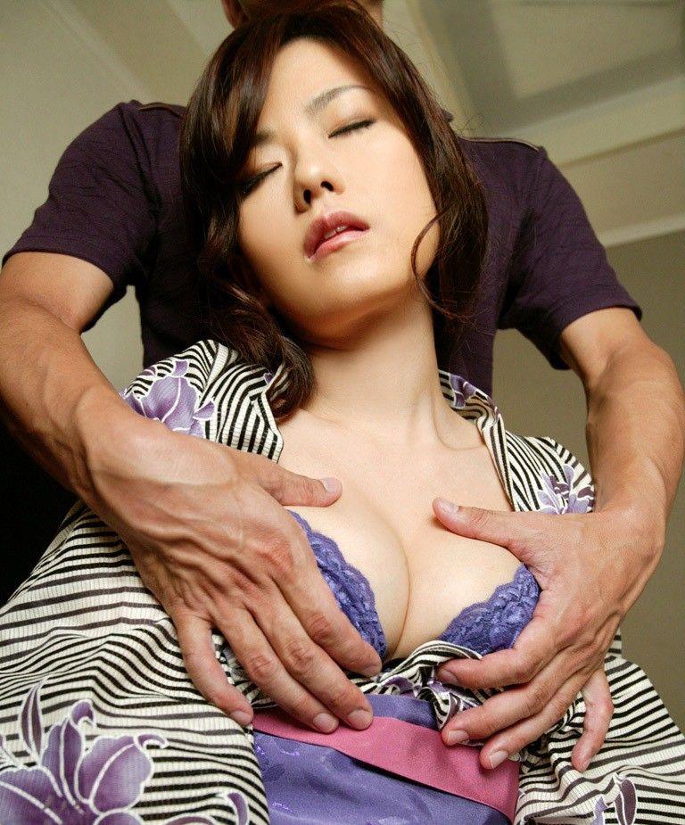 【浴衣エロ画像】美女の激エロ浴衣姿に欲情必至wwwwww(54枚) 25