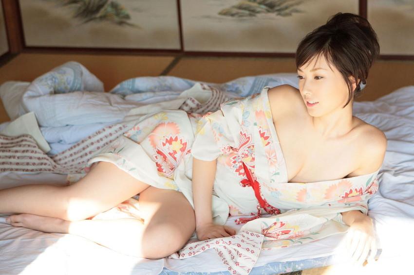【浴衣エロ画像】美女の激エロ浴衣姿に欲情必至wwwwww(54枚) 32