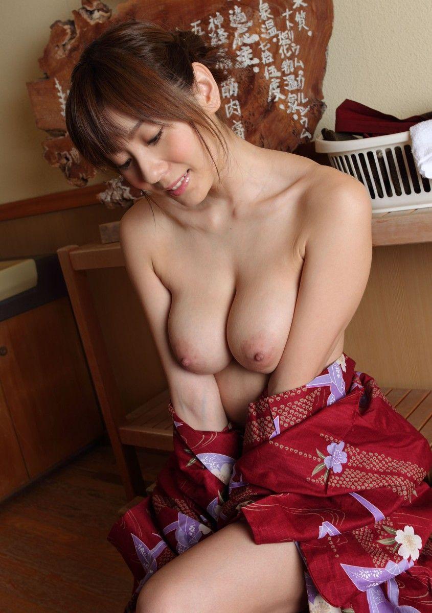 【浴衣エロ画像】美女の激エロ浴衣姿に欲情必至wwwwww(54枚) 39