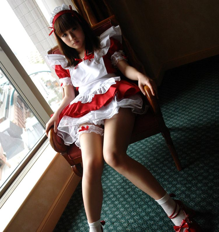【ウェイトレスエロ画像】美少女ウェイトレスさんのサービス姿がエロ可愛いwww(50枚) 06