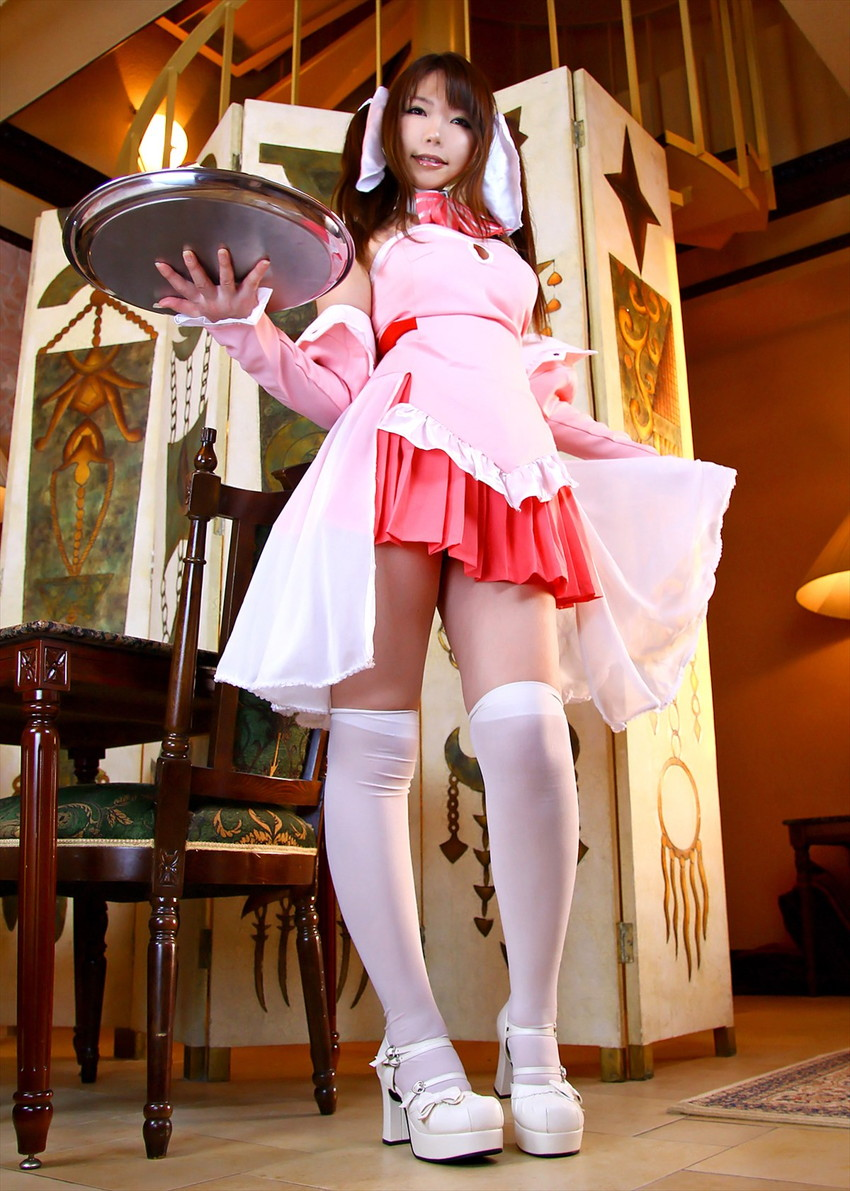 【ウェイトレスエロ画像】美少女ウェイトレスさんのサービス姿がエロ可愛いwww(50枚) 32