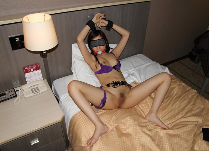 【目隠しエロ画像】視界を奪われた美女の悶える姿がエロいw(50枚) 47