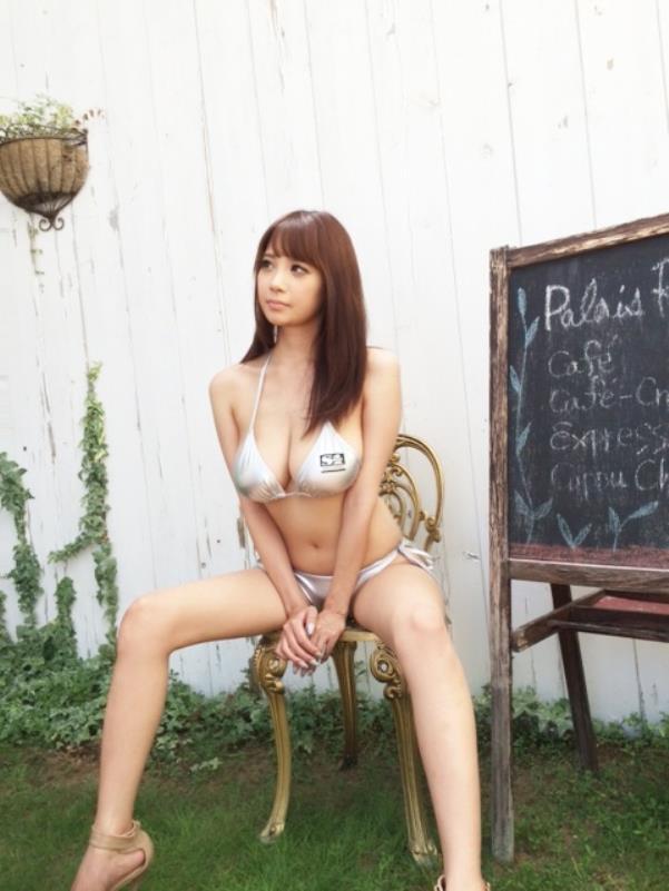 【神乳エロ画像】Jカップ美巨乳が見応えありすぎ!RIONの神乳エロ画像!(50枚) 04