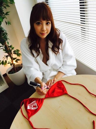 【神乳エロ画像】Jカップ美巨乳が見応えありすぎ!RIONの神乳エロ画像!(50枚) 13