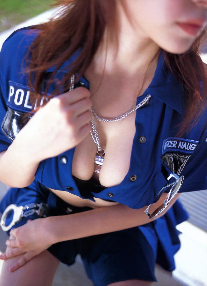 【コスプレエロ画像】美女の女性警察官姿が捕まりたくなるほどエロいw(52枚) 37