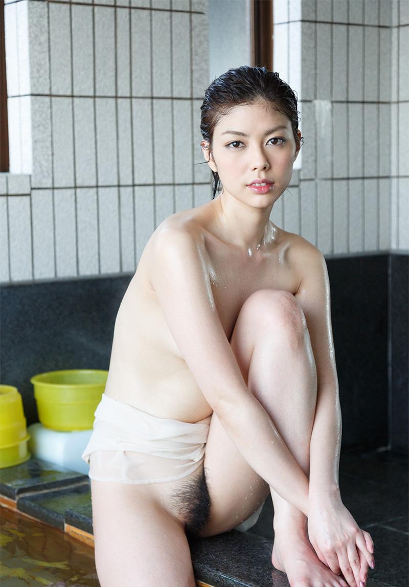 【ヌードエロ画像】人気モデル卯水咲流のセックスエロ画像(50枚) 43