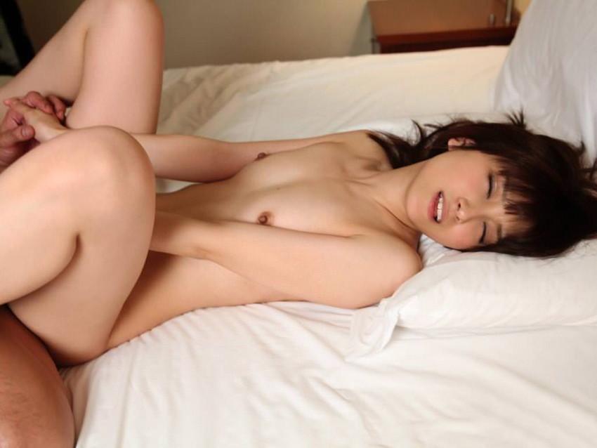 【微乳エロ画像】大きさは負けても魅力は負けない!ちっぱい美少女のエロ姿!(50枚) 23