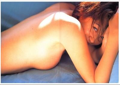 【画像】 辺見えみりの全盛期ヌードが、たまんねぇ!!!!!
