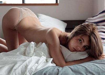 【グラビアエロ画像】マギーのセクシー姿エロ杉w即ハボ必至のセミヌード姿w(50枚)