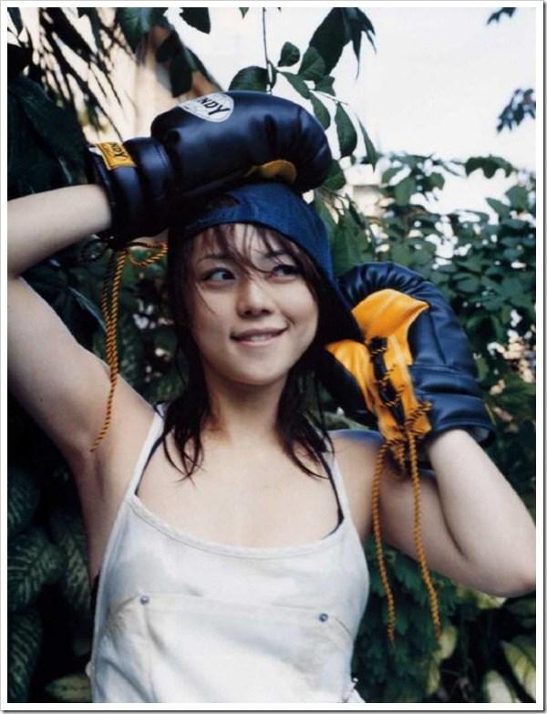 【グラビアエロ画像】吉岡美穂の懐かしきセクシー姿はいつ見てもメチャシコw(50枚) 13