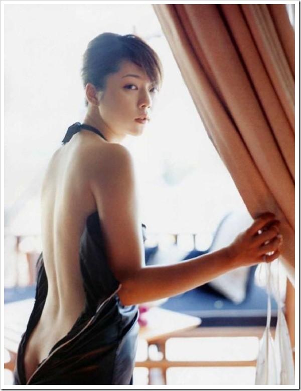 【グラビアエロ画像】吉岡美穂の懐かしきセクシー姿はいつ見てもメチャシコw(50枚) 26