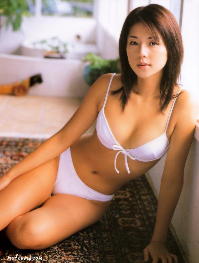 【グラビアエロ画像】吉岡美穂の懐かしきセクシー姿はいつ見てもメチャシコw(50枚) 28