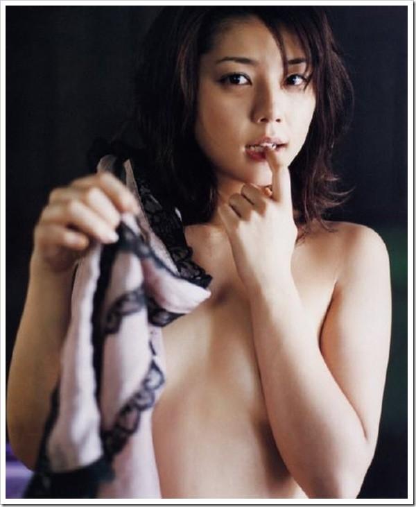 【グラビアエロ画像】吉岡美穂の懐かしきセクシー姿はいつ見てもメチャシコw(50枚) 39