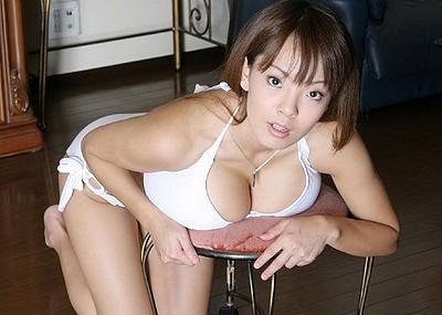【爆乳エロ画像】「世界一凄いオッパイポルノ女優」Hitomiの爆乳エロ画像!(50枚)
