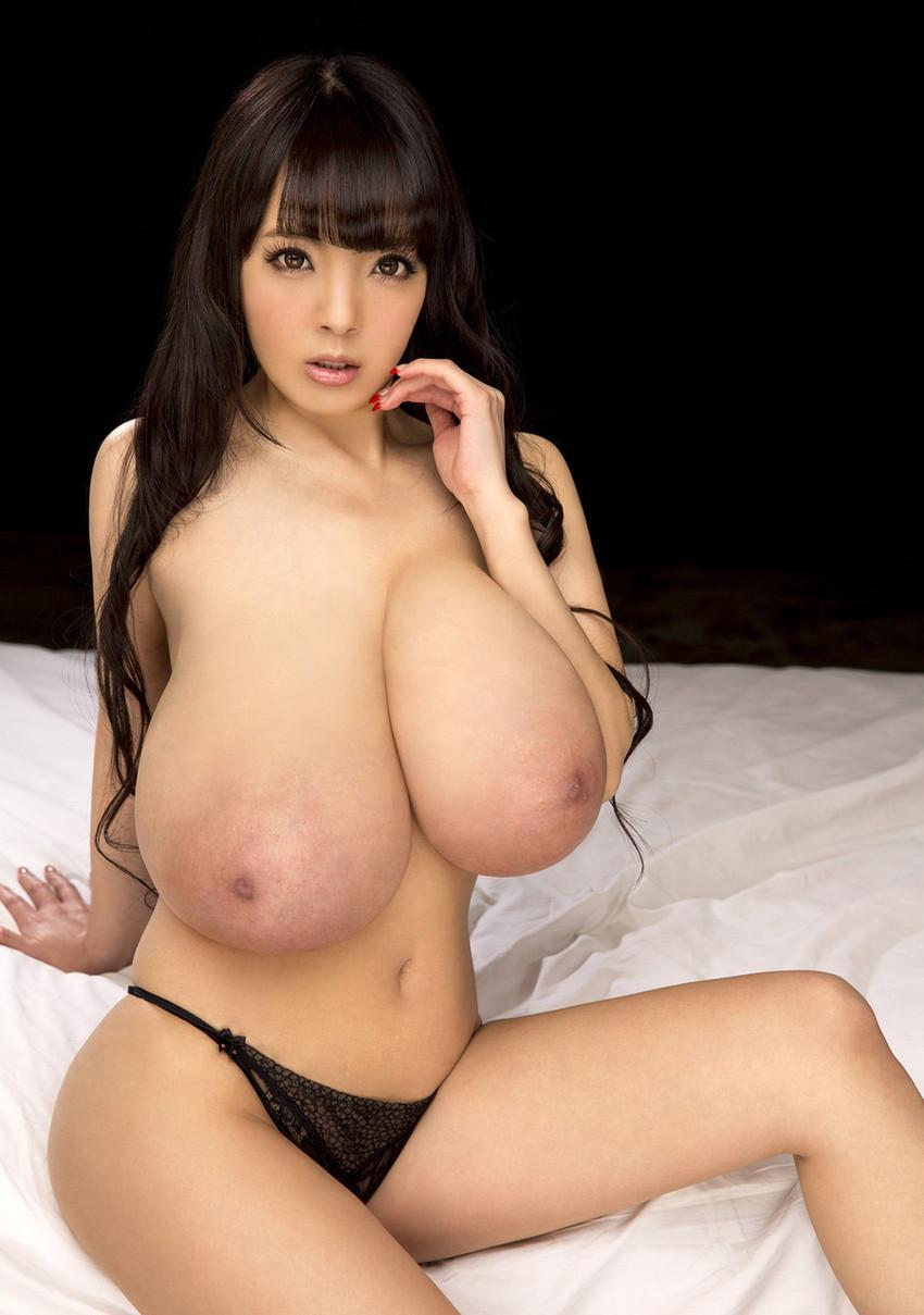【爆乳エロ画像】「世界一凄いオッパイポルノ女優」Hitomiの爆乳エロ画像!(50枚) 03