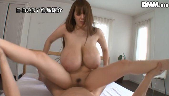 【爆乳エロ画像】「世界一凄いオッパイポルノ女優」Hitomiの爆乳エロ画像!(50枚) 10