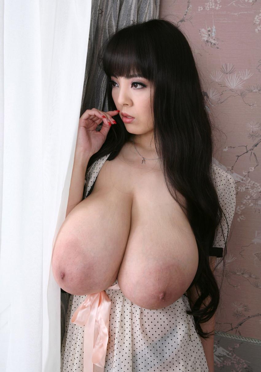 【爆乳エロ画像】「世界一凄いオッパイポルノ女優」Hitomiの爆乳エロ画像!(50枚) 40