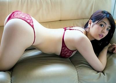 【グラビアエロ画像】ビキニの女神降臨!柳ゆり菜のセクシー画像!(54枚)