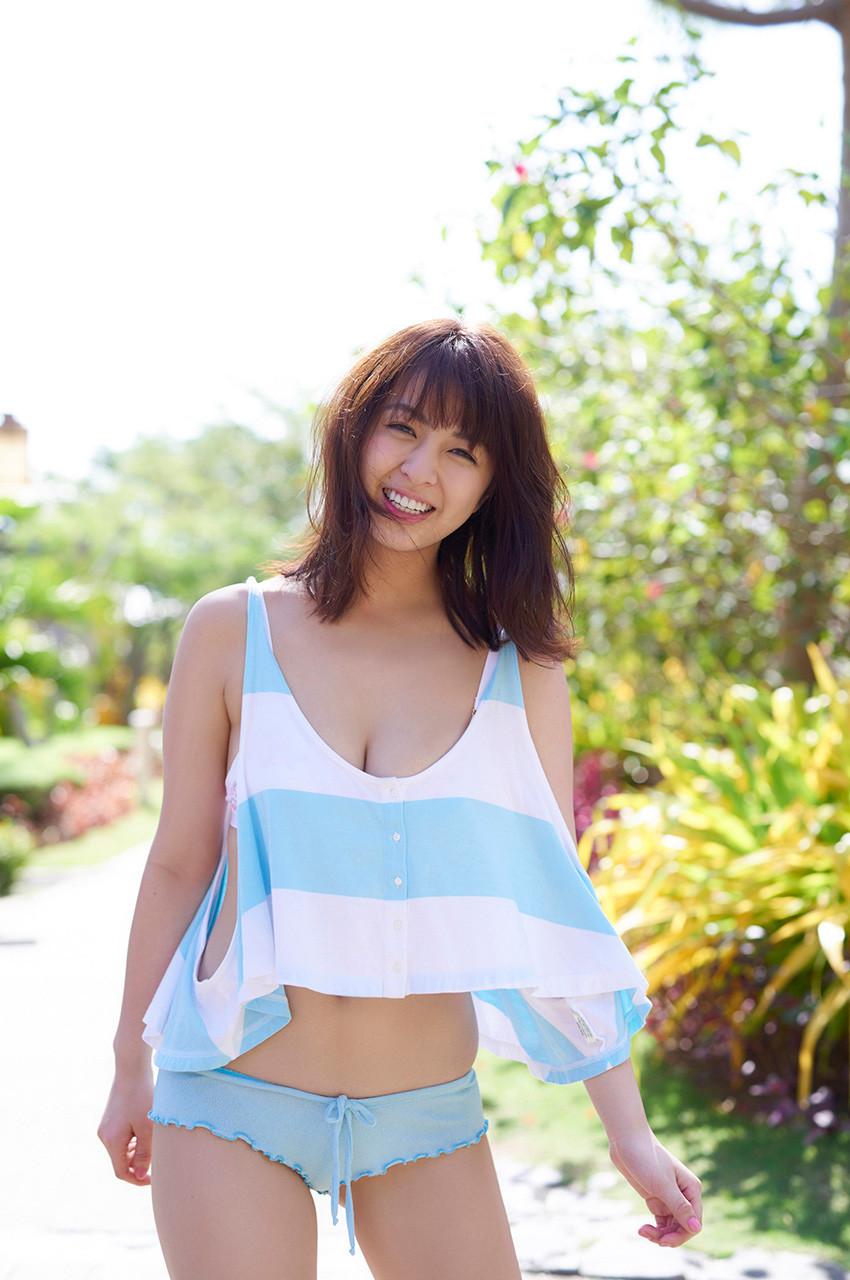 【グラビアエロ画像】ビキニの女神降臨!柳ゆり菜のセクシー画像!(54枚) 08