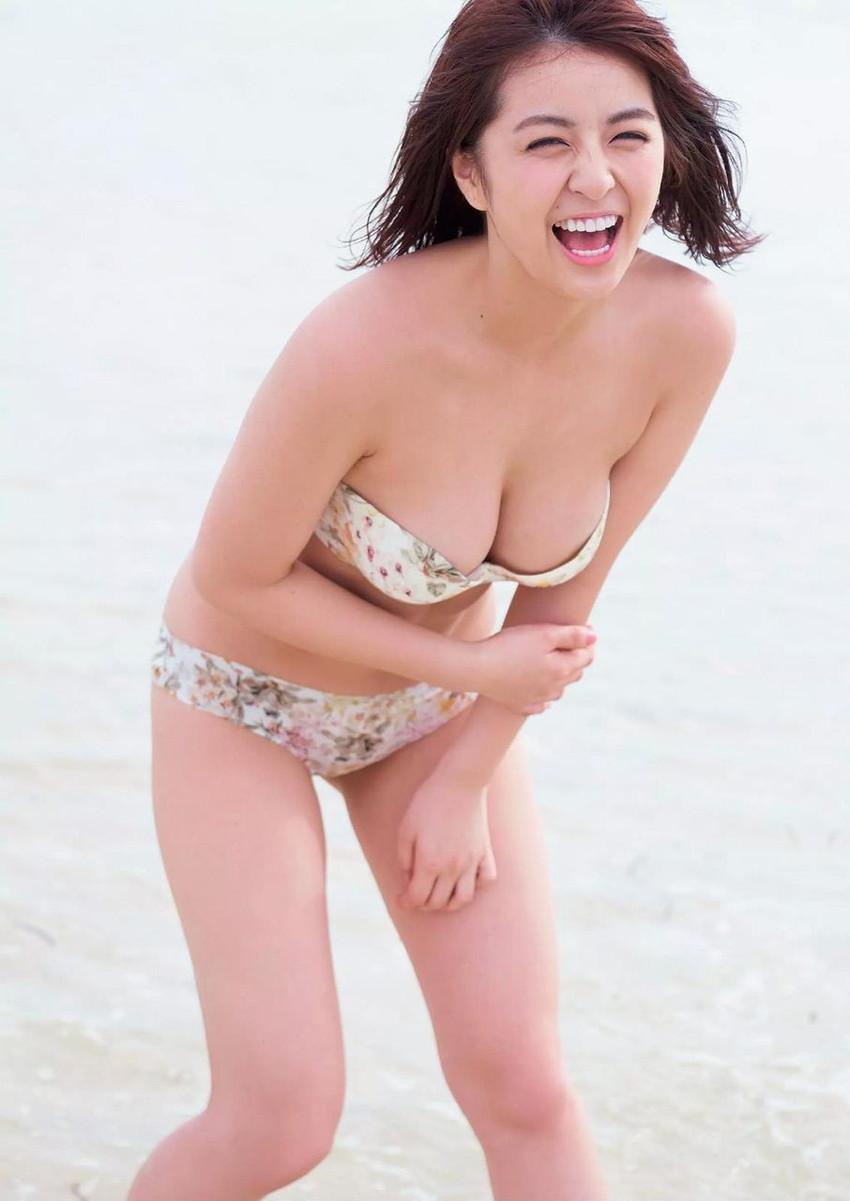 【グラビアエロ画像】ビキニの女神降臨!柳ゆり菜のセクシー画像!(54枚) 45